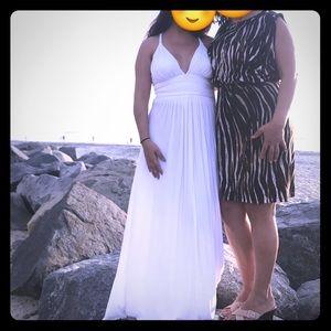 Super cute white maxi dress